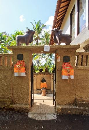 Mulawarman Ubud Bali: Welcome gate of the accommodation