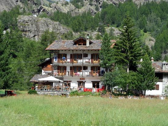 Hotel Ondezana: Front view