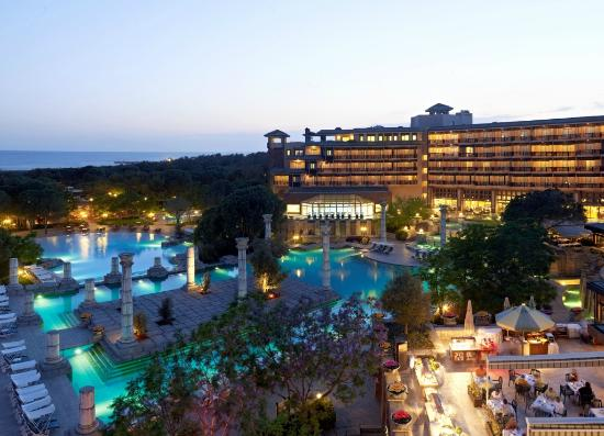 Xanadu Resort Hotel: General view by night