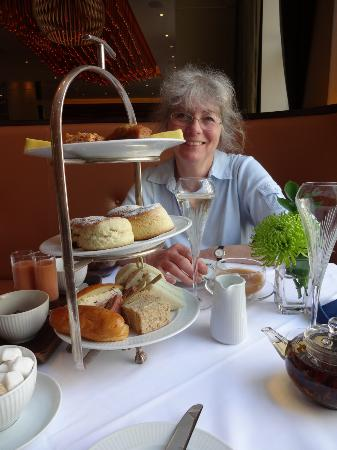 The Grill At The Montcalm: Hilda at the Montcalm Hotel