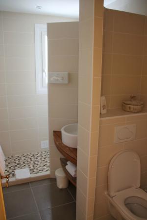Family Golf Hotel : Bathroom room 1