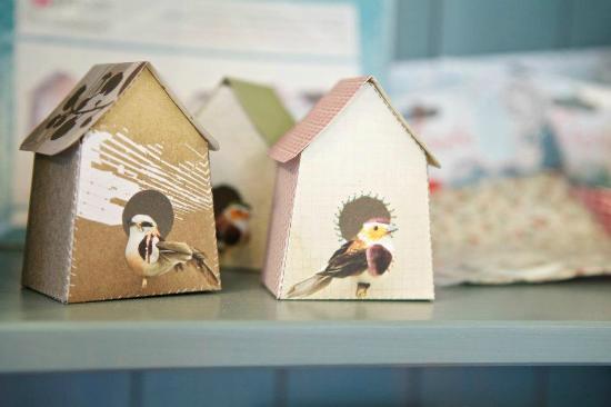 Birdhouse Bakery Tea Room: cute little birdhouses!