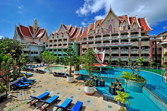 Aonang Ayodhaya Beach Resort: Hotel Exterior