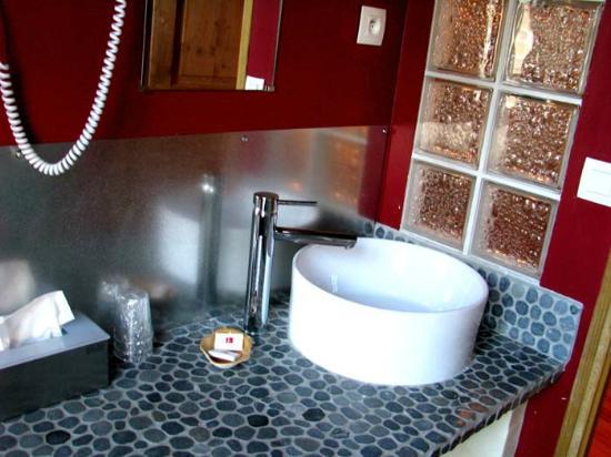 L'Ancien Presbytere: Salle de bains