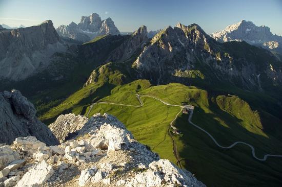 "Passo Giau ""ritratto"" dal monte Gusela"