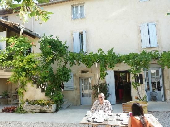 terrasse  Picture of Hotel La Bastide du Bois Breant, Maubec