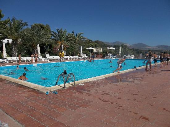 Hotel Villaggio Perla del Golfo: piscinaaa