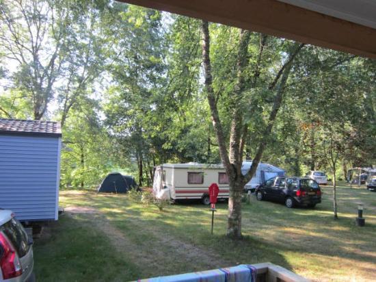 Camping Brantome Peyrelevade : camping ombragé