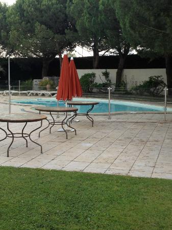 Mercure Bordeaux Aeroport: La piscine