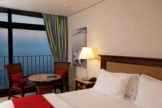 uMhlanga Sands Resort: New curtains and decor, April 2012