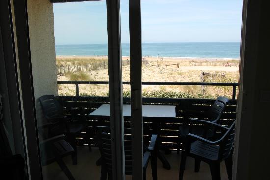 Pierre & Vacances Résidence Bleu Marine : Sea view from apartment 247