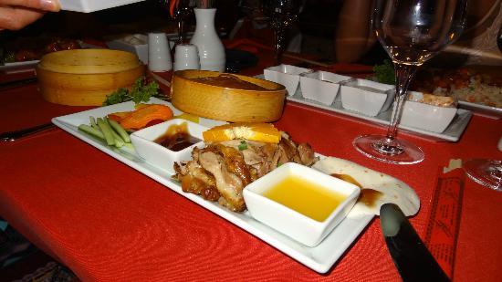 Royal Dragon Hotel: Food in the al a carte Chinese Restaurant....Fab!!