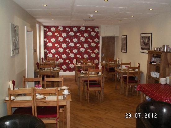 Wicklow Hills Guest House: Breakfast Lounge