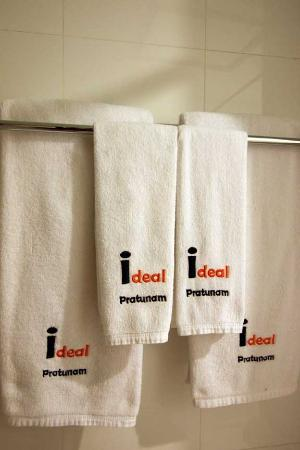 Ideal Hotel Pratunam: Personalized Towels