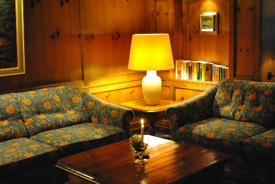 Romantik Hotel Stryckhaus: filename__bücher hotelbar_jpg_thumbnail0_jpg