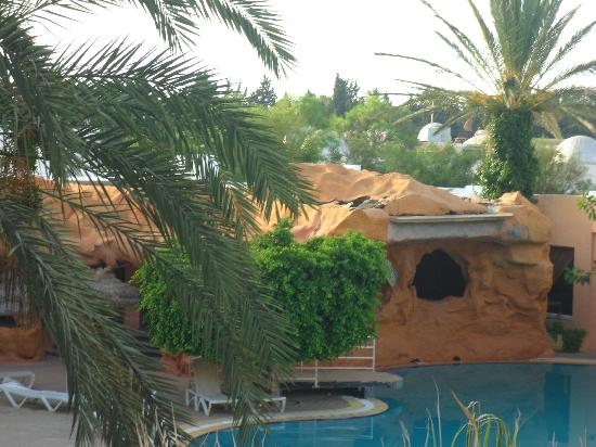Hammamet Azur Plaza: where they cooked the food. the hole in the roof