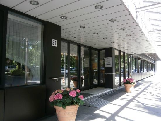 Alte Wache Hotel : ホテル入り口