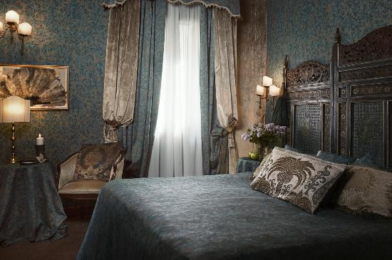 Metropole Hotel: Deluxe Double room