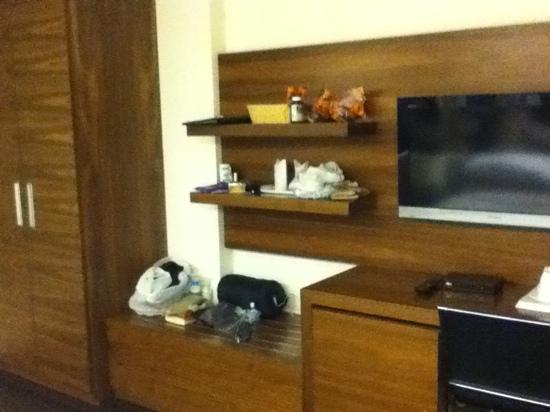 Sage Hotel: nice big TV
