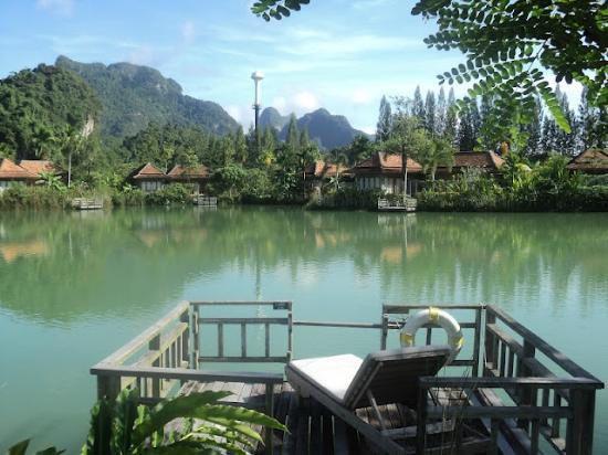 Bor Saen Villa & Spa: deck+view