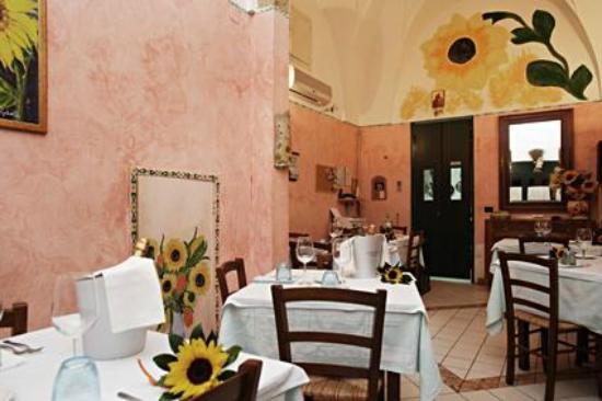 Matino, Italy: Locale