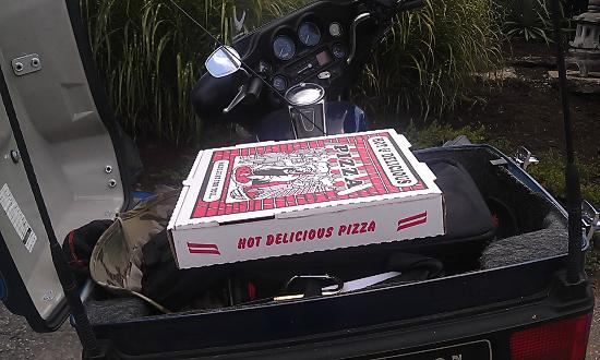"Pizza Grocery: Pizza ""delivery"" from Corinth to home!"