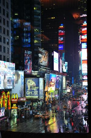 hotel sign picture of renaissance new york times square. Black Bedroom Furniture Sets. Home Design Ideas