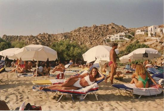 Paradise Beach : FeerBudd MYKONOS