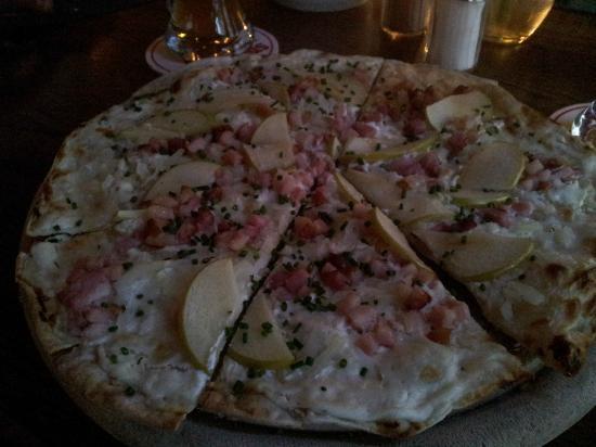 Schwarzwaldstuben: Pizza Alsaziana