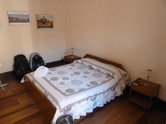 Hostal Valle Hermoso: Our lovely room