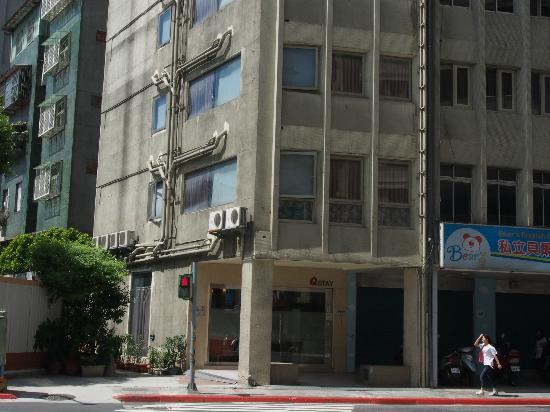 Qstay Hotel