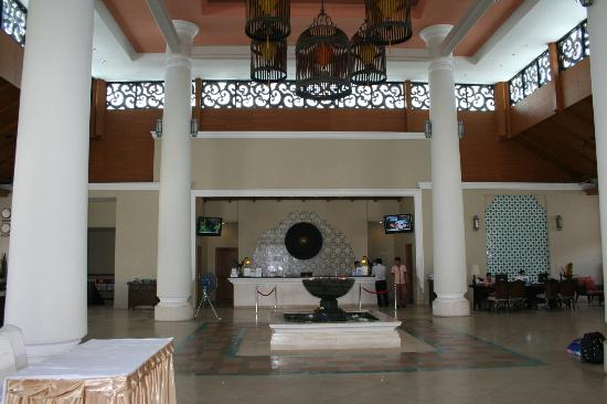 Ravindra Beach Resort & Spa: Hall