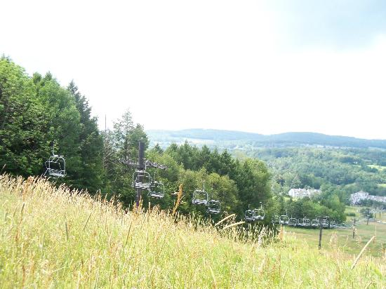Holiday Inn Club Vacations Mount Ascutney Resort: View part way up the slop!