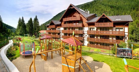 Wellness Hotel Chopok: Exterier, playground