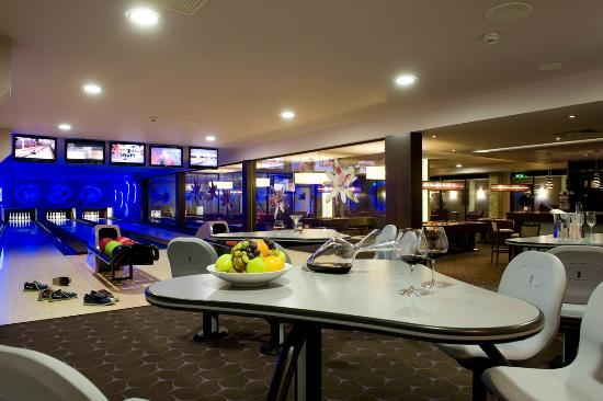 Wellness Hotel Chopok: Relax bar - bowling, billiard
