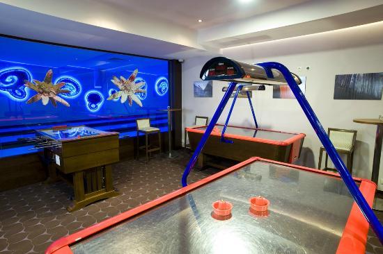 Wellness Hotel Chopok: Play room - airhockey, table football