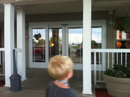 Country Inn & Suites By Carlson, St. Cloud East: The Entrance