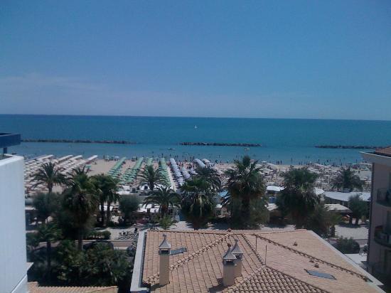 Residence Oltremare : vista mare dal balcone