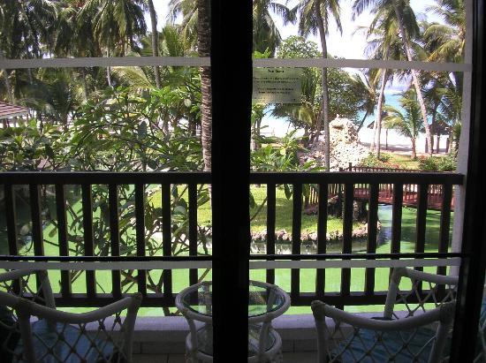 Diani Reef Beach Resort & Spa: widok z pokoju hotelowego
