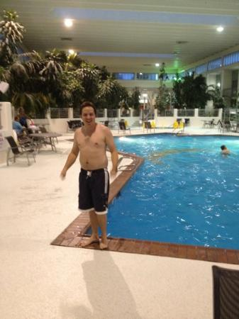 Ramada Plaza Springfield Hotel and Oasis Convention Center: indoor jungle pool