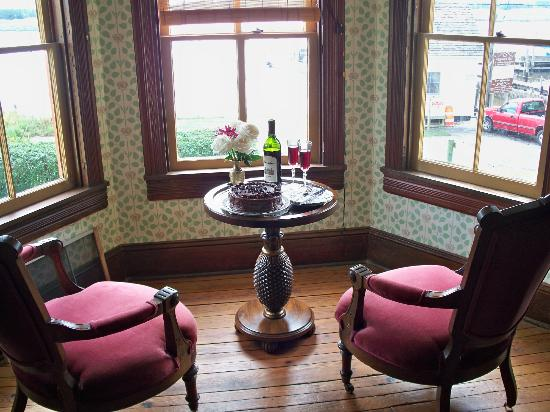 Whitehaven Hotel: Alcove in the Victorian room that overlooks the river