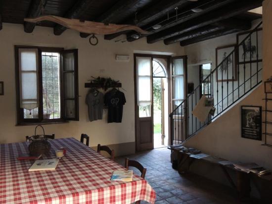 Agriturismo Novoi : La salle des petits déjeuners