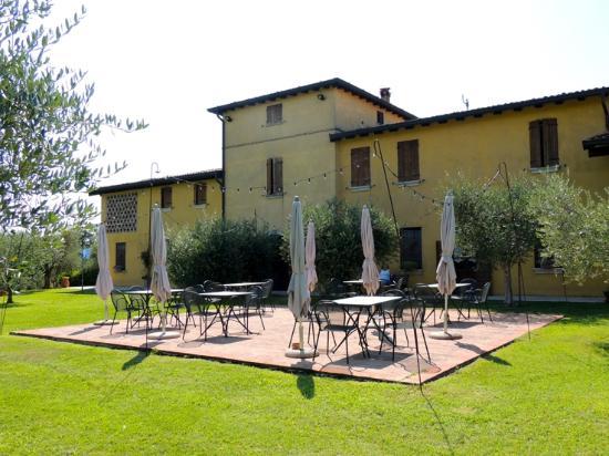 Agriturismo Novoi : La terrasse où l'on dîne