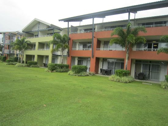 The Sebel Palm Cove Coral Coast: Apartment view from golf course