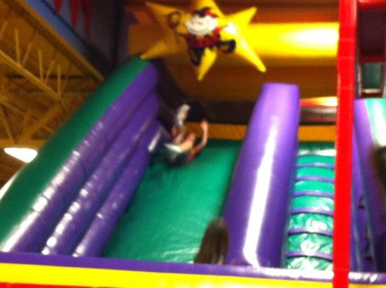 Joker's Family Fun & Games : Bouncy Slide