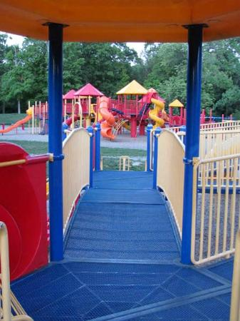 Glen Miller Park : Nice playground