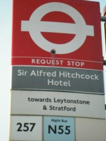 Sir Alfred Hitchcock Hotel: Travel