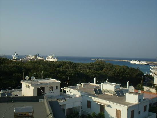 سيلفيا هوتل: The view from our room (Old Town is just to the left) 