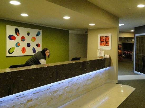 Sudima Hotel Lake Rotorua: Recepción