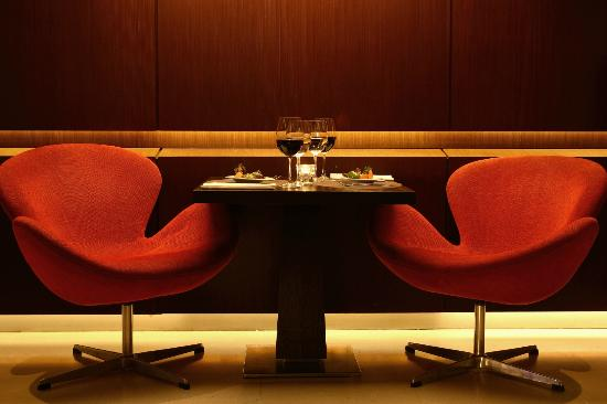 Red Resto & Lounge